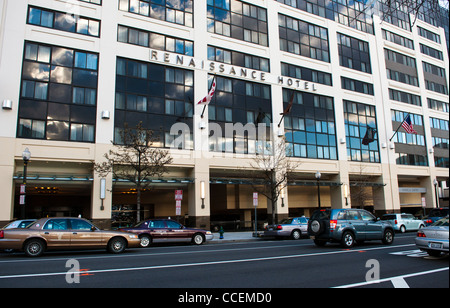 Renaissance Washington, DC Downtown Hotel, Marriott, 999 Ninth Street NW, With traffic and taxi's on Ninth Street. - Stock Photo