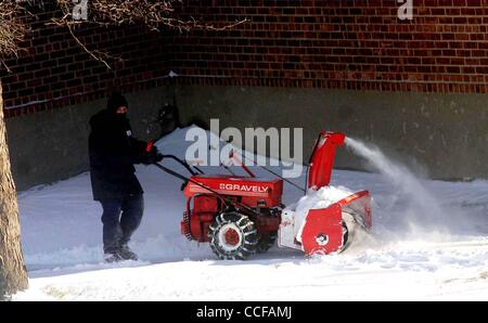 Dec. 27, 2010 - New York, New York, U.S. - Brooklyn residents start to dig out from the winter storm that dumped - Stock Photo