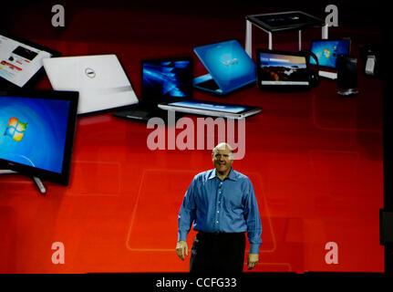 Jan 5,2011 - Las Vegas-Nevada USA. Microsoft Chief Executive Officer Steve Ballmer delivers a preshow keynote address - Stock Photo