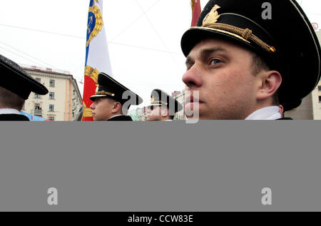 May 10, 2010 - Murmansk, Russia - A military parade in commemoration of the 65 anniversary of the Victory in the - Stock Photo