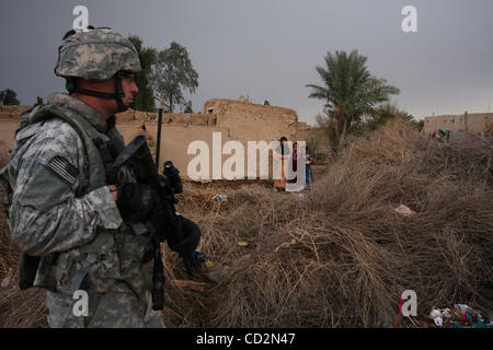 Mar 13, 2008 - Baghdad, Iraq - A soldier of Alpha Company, 1st Battalion, 27th Infantry Regiment of the 2nd Stryker - Stock Photo