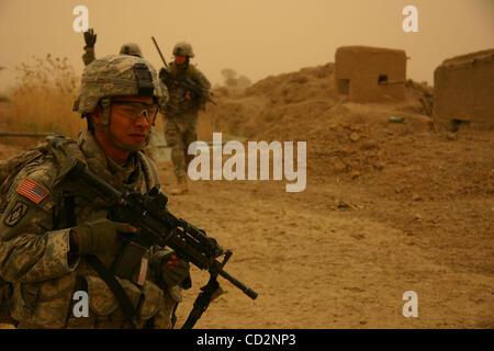 Mar 15, 2008 - Al Assaf, Baghdad, Iraq - A soldier of Alpha Company, 1st Battalion 27th Infantry Regiment of 2nd - Stock Photo