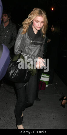 Mar. 30, 2008 - New York, New York, U.S. - .JESSICA STAM.K56809RM.CELEBRITIES OUT AND ABOUT NEW YORK New York 03 - Stock Photo