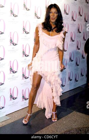 Oct. 15, 2003 - New York, New York, U.S. - K33474JBU.THE 10TH ANNUAL QVC ''FFANY SHOES ON SALE''..THE AMERICAN MUSEUM - Stock Photo