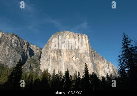 Nov 22, 2008 - Yosemite National Park, CA, UNITED STATES - El Capitan is a favorite for experienced rock climbers. - Stock Photo