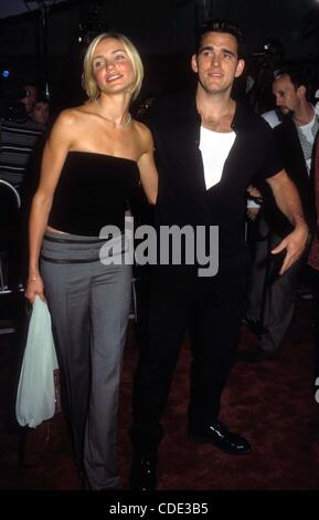 Jan. 1, 2011 - Hollywood, California, U.S. - 7/9/1998.THERE'S SOMETHING ABOUT MARY PREMIERE IN LOS ANGELES.CAMERON - Stock Photo
