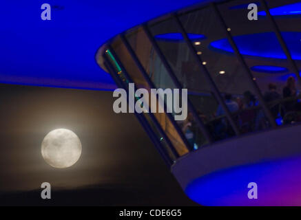Mar. 19, 2011 - Los Angeles, California, U.S - The full moon tonight , called a ''Super Perigee Moon'' since it - Stock Photo