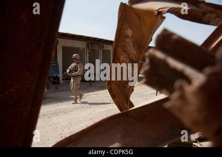 Apr 27, 2011 - Town of Naw Zad, Naw Zad district, Helmand, Afghanistan - A Marine of Lima Company, 3rd Battalion - Stock Photo