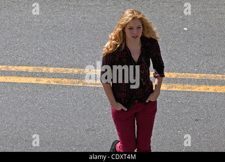 Aug. 23, 2011 - Brooklyn, New York, U.S. - Actress JULIE BENZ crosses the street in between takes filming a scene - Stock Photo