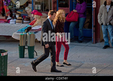 Aug. 23, 2011 - Brooklyn, New York, U.S. - Actors PATRICK WILSON and JULIE BENZ walk to blocking position in between - Stock Photo