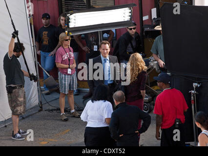Aug. 23, 2011 - Brooklyn, New York, U.S. - Actors PATRICK WILSON and JULIE BENZ between takes filming a scene on - Stock Photo