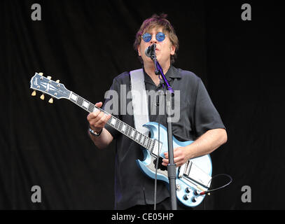 Aug 7, 2011 - Chicago, Illinois; USA - Guitarist ELLIOT EASTON of The Cars performs live as part of the 20th Anniversary - Stock Photo