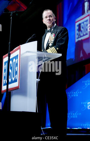 Admiral Mike Mullen, Chairman of the Joint Chiefs of Staff The USO 2010 Gala at Woodley Park Hotel - Inside Washington - Stock Photo