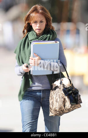 Jennifer Love Hewitt Leaving Drybar In Studio City After Getting A Blow Out  Los Angeles,