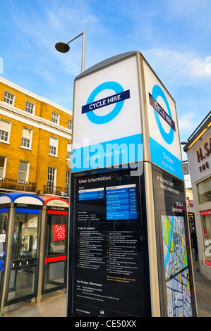 Barclays Cycle Hire docking station/pay point, Chelsea, London, SW3, UK - Stock Photo