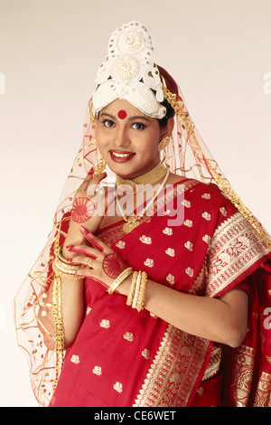 VDA 85235 : indian bengali bride in wedding marriage dress india   Model Released - Stock Photo