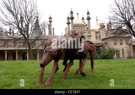 A pair of sculpture dogs by artist Marjan Wouda caused a stir in Pavilion Gardens Brighton 2004 - Stock Photo