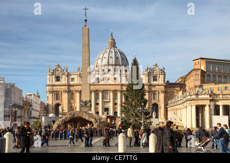 Piazza San Pietro Obelisk with the Vatican and St. Peter's Basilica - Stock Photo