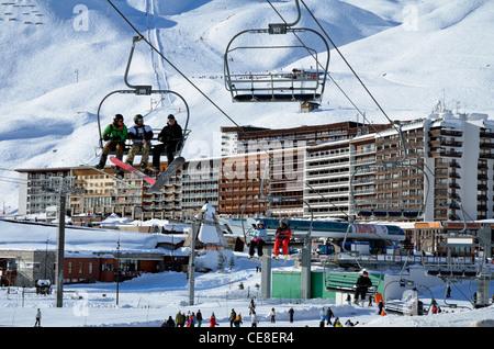 Ski resort,Ski Lift, Tignes le Lac, National Park de la Vanoise, Rhone-Alpes, Savoire, France - Stock Photo