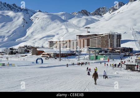 Ski Lift, Tignes Le Lac, National Park de la Vanoise, Alps, Savoire, France - Stock Photo