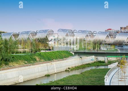 Arganzuela footbridge in Madrid by Dominique Perrault - Stock Photo
