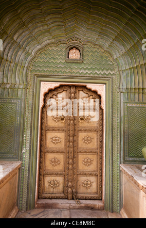 Green Gate (Leheriya) depicting spring in the Pitam Niwas Chowk, in the City Palace in Jaipur, in Rajasthan, India. - Stock Photo