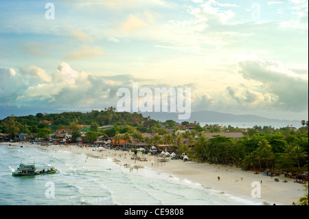 Haad Rin is a peninsular beach area and town on the southern tip of Kohphangan . - Stock Photo