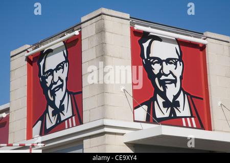 KFC Kentucky Fried Chicken fast food restaurant, Anglia retail park, Ipswich, Suffolk, England - Stock Photo