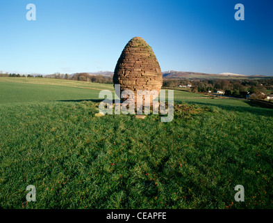 Sculpture by the artist Andy Goldsworthy near Penpont ...