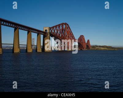 dh Forth Railway Bridge FORTH BRIDGE LOTHIAN Victorian Cantilever  bridge Firth of Forth river rail bridges scotland