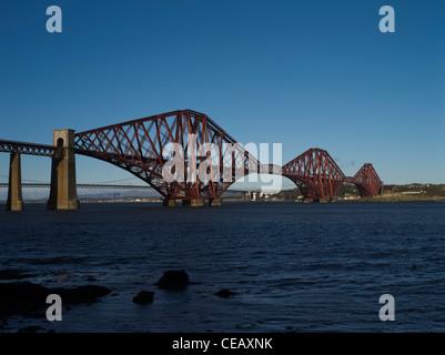 dh Forth Railway Bridge FORTH BRIDGE LOTHIAN Victorian iron cantilever bridge firth of forth river rail uk scotland bridges