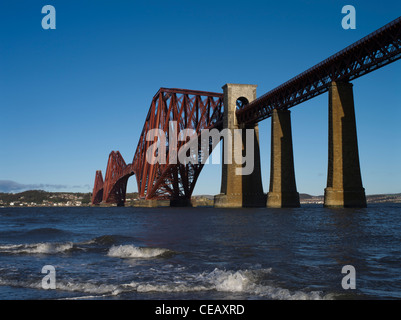 dh Forth Railway Bridge FORTH BRIDGE LOTHIAN victorian cantilever bridge firth of forth river scotland rail uk bridges