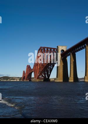 dh Forth Railway Bridge FORTH BRIDGE LOTHIAN victorian cantilever bridge firth of forth river rail scotland