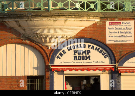 Beach front arches converted to a bar on Brighton seafront. - Stock Photo