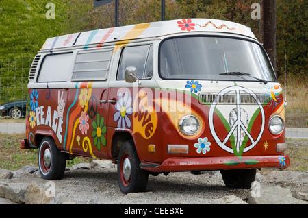 painted Volkswagen, Hippie van, Ruby Blue's Winery, Naramata Bench,   British Columbia, Canada - Stock Photo