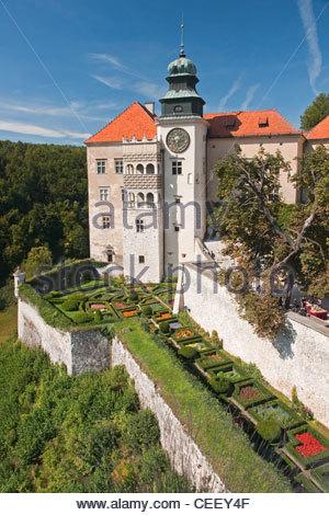 View of the Castle in Pieskowa Skala - Stock Photo
