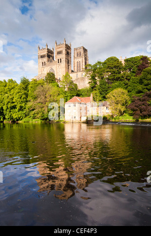 Durham Cathedral and the River Wear, Durham City, County Durham, England. - Stock Photo