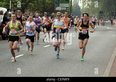 Elite runners running in the 2011 Virgin London marathon - Stock Photo