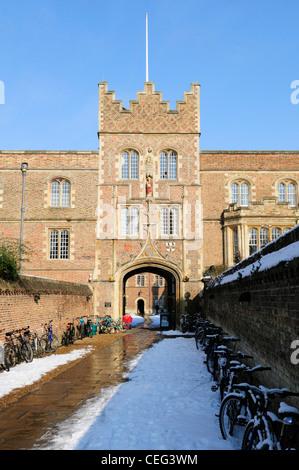 Entrance to Jesus College, in Winter Cambridge, England, UK - Stock Photo