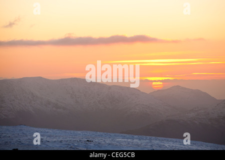 Looking west from Red Screes summit towards the Coniston Fells and Harter Fell, Lake District, UK. - Stock Photo