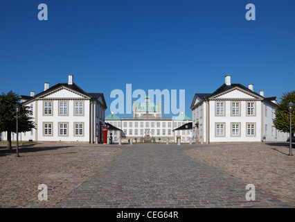 The Royal Fredensborg Palace in Fredensborg, near Copenhagen, Denmark. Bear skin sentries from The Royal Life Guards - Stock Photo