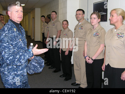 Master Chief Petty Officer of the Navy Rick D. West talks with students attending a journeyman instructor training - Stock Photo