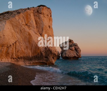 CY - PAPHOS: Rock of Romiou the Birthplace of Aphrodite (Petra tou Romiou) - Stock Photo