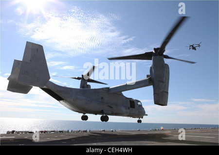 Two MV-22B Ospreys from Marine Tiltrotor Squadron 266 depart the USS Wasp as part of Exercise Bold Alligator 2012, - Stock Photo
