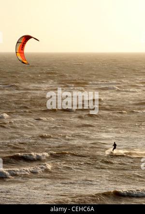 Extreme sports Kite-surfing at Sandown Isle of Wight - Stock Photo