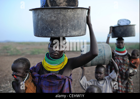 Africa KENIA Turkana Region, Kakuma, Turkana tribe suffer from drought and food shortage, food distribution by Don - Stock Photo