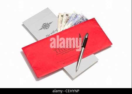 A will document, a pen and British banknotes Stock Photo