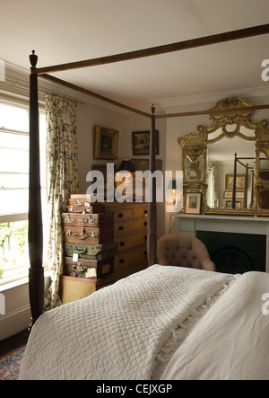 Mix & Match London HomeFive-storey house in Clapham packed with collectibles - Stock Photo