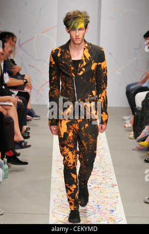 Andrew Mackenzie Fashion Designer