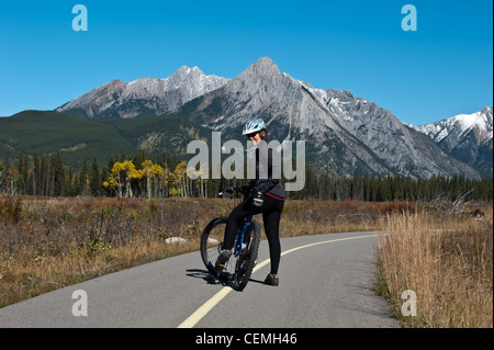 kananaskis women Fat biking at kananaskis village we chose to go to kananaskis village to try fat biking as a family, because i know a couple of the groomed trails there are open to both cross country skiing and fat biking.